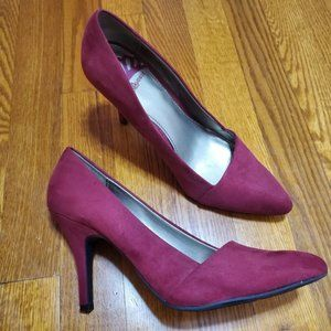 - Fergie red sexy heels shoes size 7